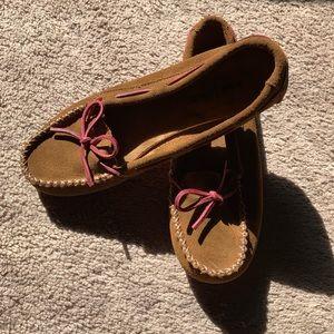 Women's Minnetonka Suede Moccasins w/pink soles
